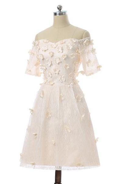 Champagne A-Line V-Neck Short Sleeves Short Mini Flowers Pearls Appliques Lace Elegant Homecoming Dress