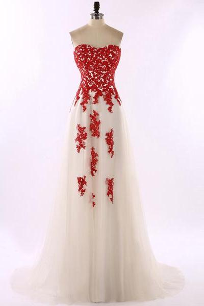 Lace Appliques Sweetheart Floor Length Tulle A-Line Prom Dress Featuring Sweep Train