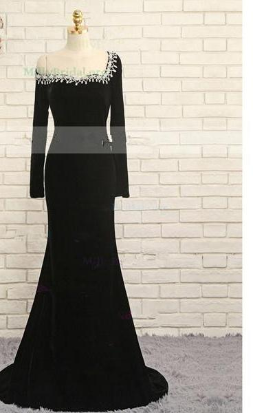 Trumpet/Mermaid Off-The-Shoulder Velvet Sweep Train Lace Black Long Prom Dresses